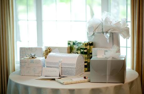 wedding-gifts-on-table-in-the-sun460x300