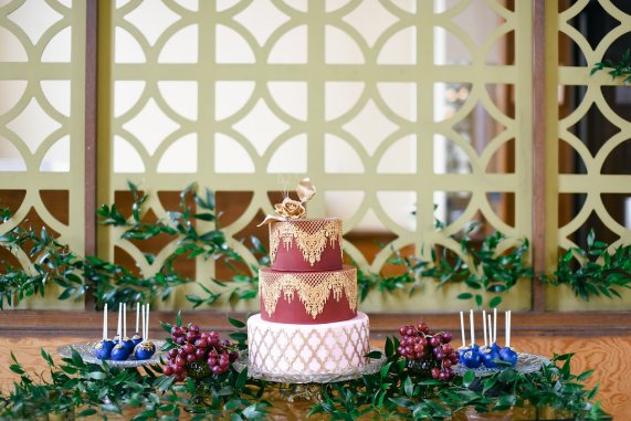 10 Fall Wedding Trends | Colorful Wedding Cakes | Maroon and Gold Wedding Cake | BridalGush.com